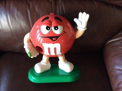 M and M Large Figure