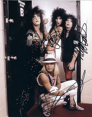 """MOTLEY CRUE Hand Signed By Band """"Shout Tour"""" Promo 10x8"""
