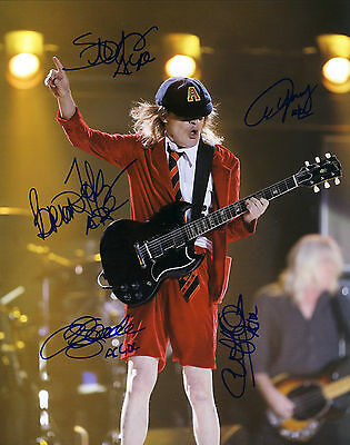 """AC/DC Hand Signed By Entire Band 'World Tour Live"""" 10x8"""