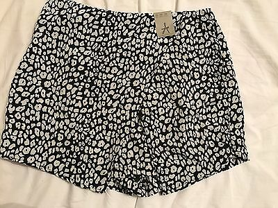 Women's Shorts Atmosphere Size 12 Brand New With Tags
