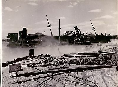 Original 1943 Press Photo of Damaged Ships at La Goulette in Tunis