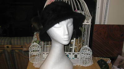 """Vintage Ladies Black hat, by """"Kangol"""" desgn, Made in England"""