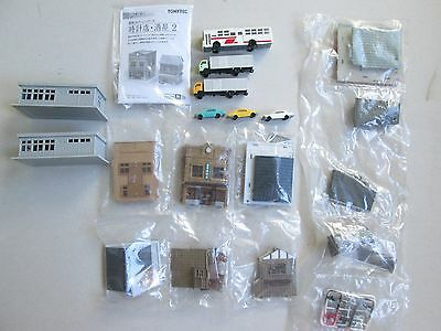 Tomix Tomytec Tomy N scale gauge buildings, trucks +3 taxis for model train sets