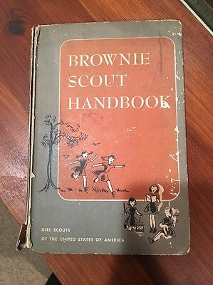 Brownie Scout Handbook 1957 12th Impression Good Condition