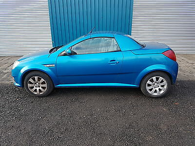 Vauxhall Tigra 1.4L Petrol Cabroilet 2005 - Damaged Repairable - Starts & Drives