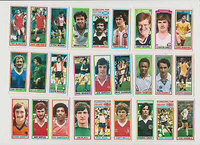 27  FOOTBALLERS..(3  on a  card )...9  CARDS...1981...TOPPS...BLUE  BACK