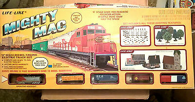 Vintage Life-Like Mighty Mac N Scale Electric Train Set