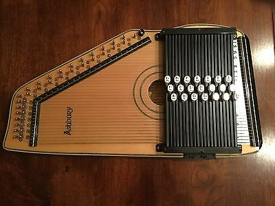 Acoustic/electro Autoharp by Ashbury.