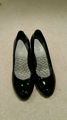 Clarks ladies black shoes wide fit size uk3