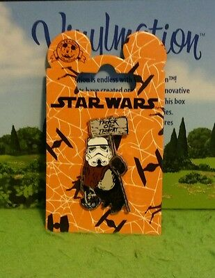 Disney Pin New on Card Halloween Star Wars Ewok Stormtrooper Trick or Treat