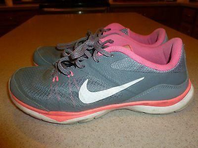 NIKE Womens Flex TR 5 Gray Pink Running Training Athletic Shoes Size 7.5 ZA-823