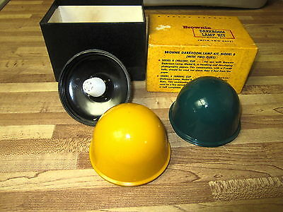 Vintage Kodak Brownie Model B With Yellow & Green Cups Darkroom Lamp Kit