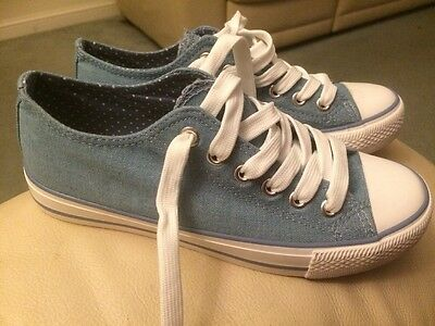 New Look Shoes/Converse Size 3