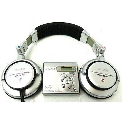 Sony MZ-R501 Recording MiniDisc Walkman with Sony MDR-Z700 Headphones