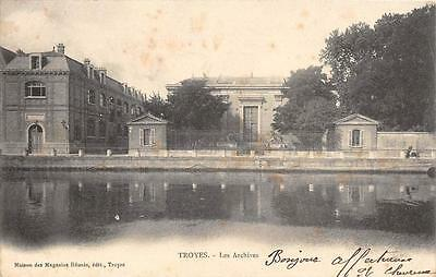 Cpa 10 Troyes Les Archives