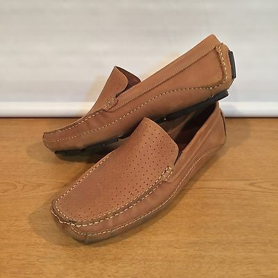 CLARKS Mens Driving Shoes Size 9.5 Tan Slip On Leather Upper Loafer Moccasins
