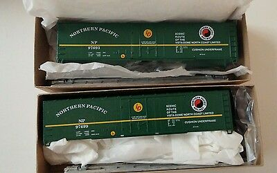 HO scale 50' plug door NORTHERN PACIFIC box cars (2) Roundhouse model trains