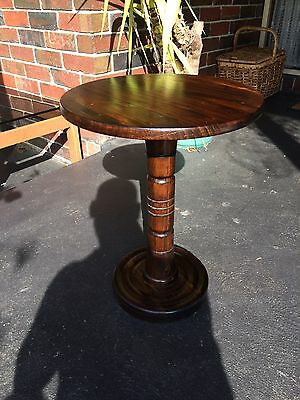 Round pedestal wooden side/coffee table