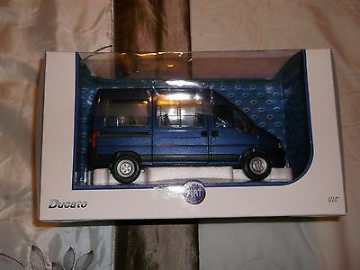 Fiat Ducato Diecast Model People Carrier 1.24 Scale