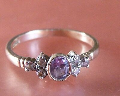 Beautiful 9Ct Gold Pale Amethyst & White Sapphire Engagement? Dress? Ring Size N