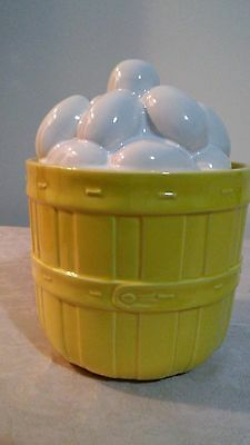 Vintag McCoy Pottery White Eggs in a Yellow Basket Cookie Jar