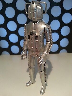 """Doctor Who The Invasion Cyberman Classic 5"""" Loose Brand New Figure"""
