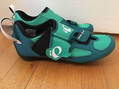 Pearl Izumi Tri Fly V Spin Cycling Shoes, size 42, size 9, Beautiful! $100