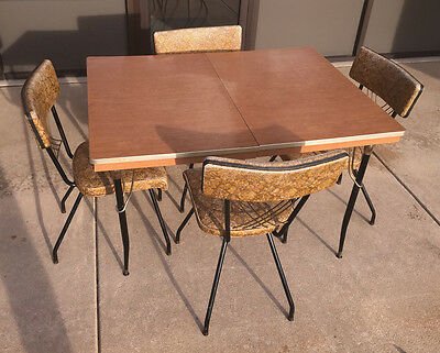 1950's Walter Of Wabash Hollywood Regency Table And Chairs