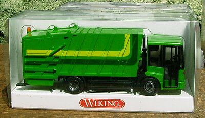 WIKING HO SCALE - MERCEDES GARBAGE TRUCK - built scale model for model train