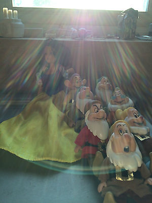 Full set of Snow White and 7 dwarves dolls By Simba toys