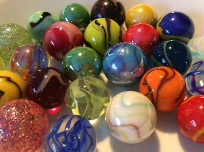 25 VERY PRETTY MEDIUM SHOOTER MARBLES 22 & 25 mm SOLITAIRE GAME PLAY TRADE