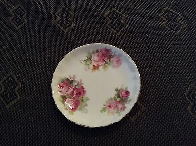 Royal Doulton Delicate Rose Patterned Dish. Excellent Condition.