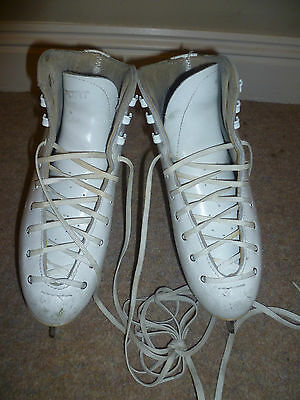 Risport White Leather Ice Skates Size 2 Excellent for Beginners