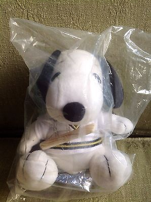 Snoopy/ Peanuts Metlife Promotional CRICKET Soft Toy RARE & COLLECTABLE - BNIP!!