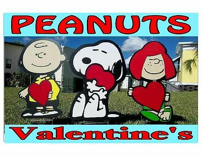Peanuts Snoopy Valentine's Day Yard and Garden Decorations