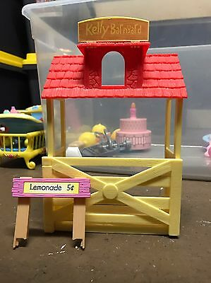 Barbie Kelly Doll House Farm Barn Yard Yellow Red House Animals Pet