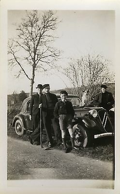 Photo Ancienne - Vintage Snapshot -Voiture Automobile Traction Citroën Chien-Car