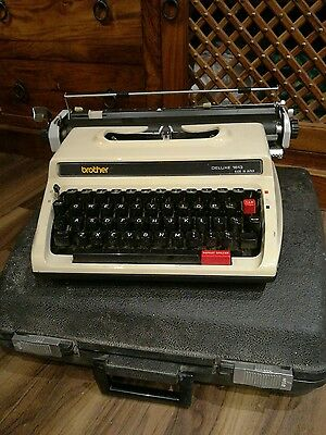 Brother Deluxe 1613 Typewriter in case