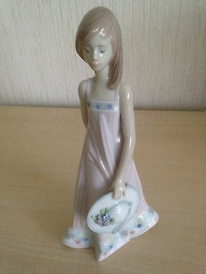 Lladro Figure Girl Holding Hat With Flowers