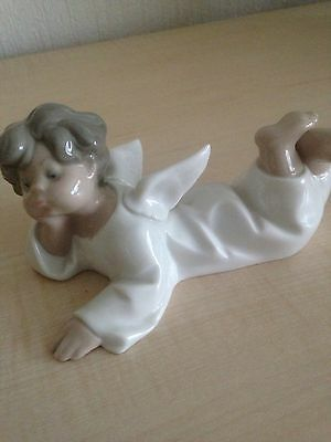 Lovely Angel Figure Lladro