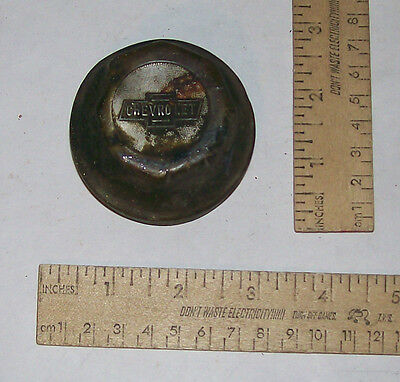 CHEVROLET - Threaded HUB COVER / GREASE CAP - Bow Tie CHEVROLET - As Is