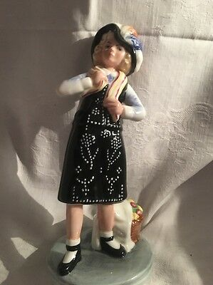 Royal Doulton Figurines Pearly Girl Hn2769 Excellent