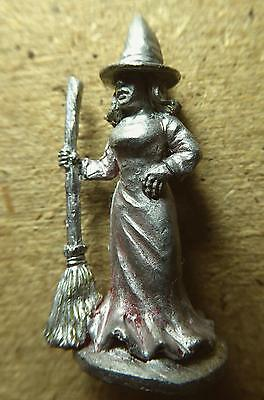 Sassy Witch with Broom in Pointy Hat ~ Metal ~ AD&D / Magic the Gathering