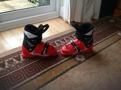 Atomic childrens ski boots