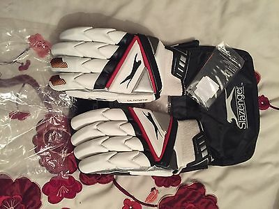 Slazenger Ultimate Cricket Batting Gloves RH Men