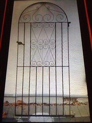 Wrought iron side gate, black.