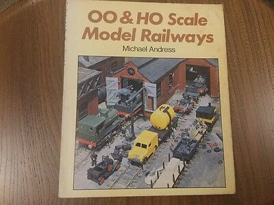 OO & HO SCALE MODEL RAILWAYS by Michael Andress
