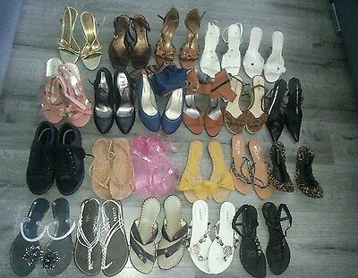 22 pairs of woman's shoes size 7 *Some new*