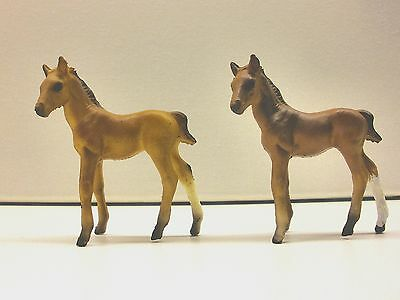 Breyer Stablemate plastic horse Two G1 standing foals chestnut colored