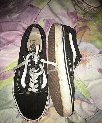 Women's Vans Classics Black And White Shoes Size 9